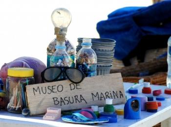 AYUDA MATERIAL Y VOLUNTARIADO PUNTUAL EN MIGAS PARA EL MAR, EN GUAYAQUIL,  ECUADOR.