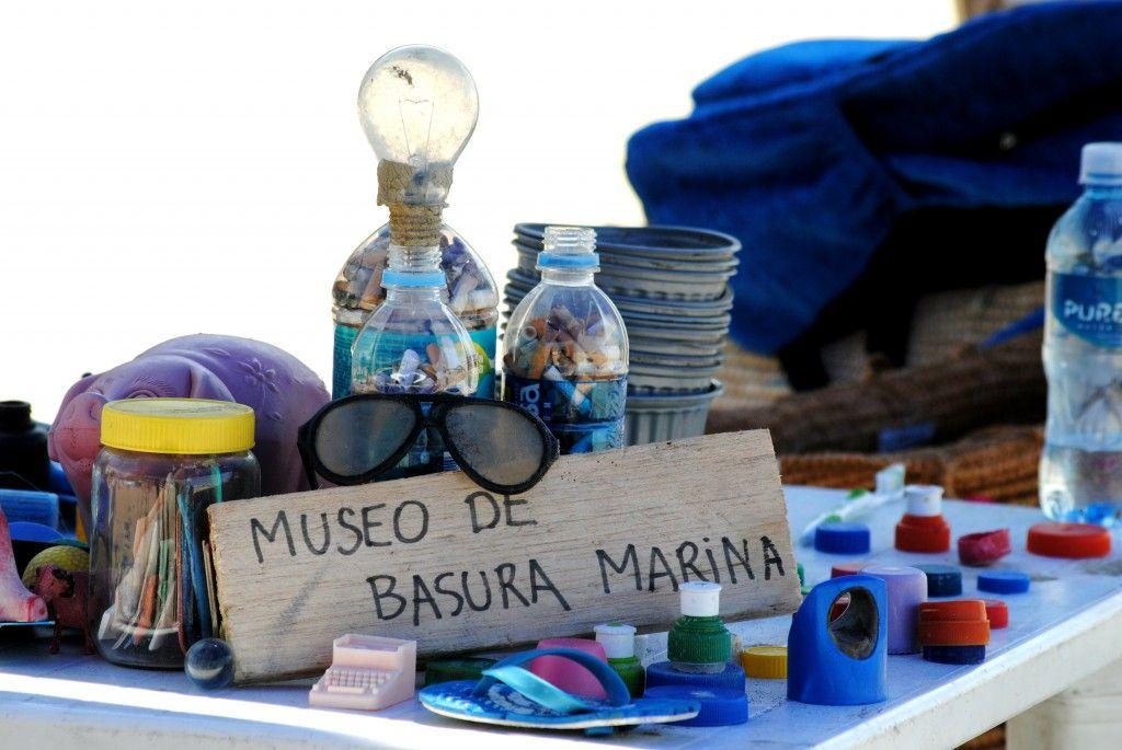 Ayuda material y voluntariado puntual en Mingas por el Mar; Guayaquil, Ecuador